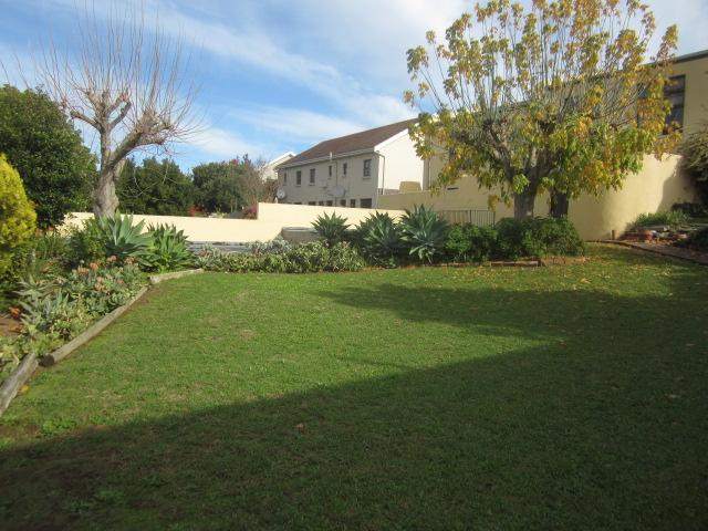 Property For Rent in Somerset West, Somerset West 12