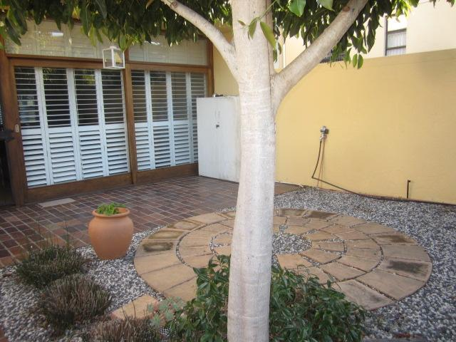 Property For Rent in Somerset West, Somerset West 11