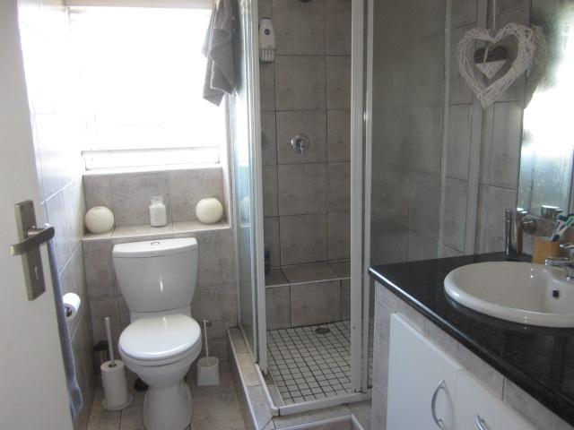Property For Rent in Somerset West, Somerset West 10