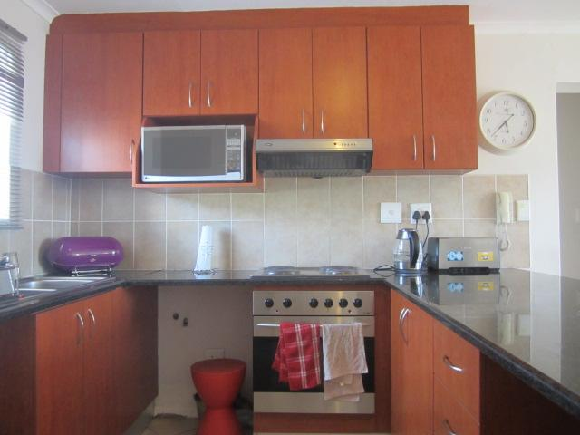 Apartment / Flat For Rent in Somerset West, Somerset West